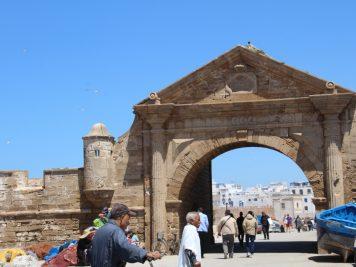 Marokko Rundreise Reise in 1001NachtTor am Hafen von Essaouira