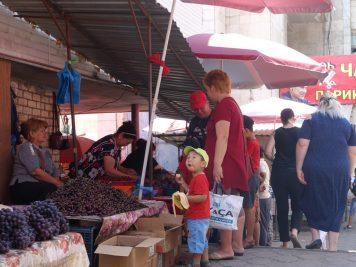 Junge Marktszene