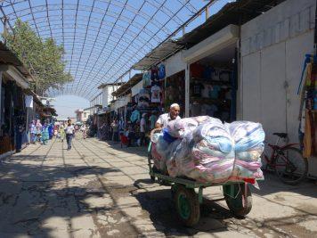 Basar Markt Verkäufer