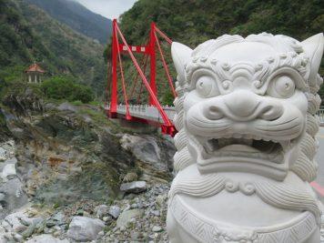 Brücke Statue Löwe